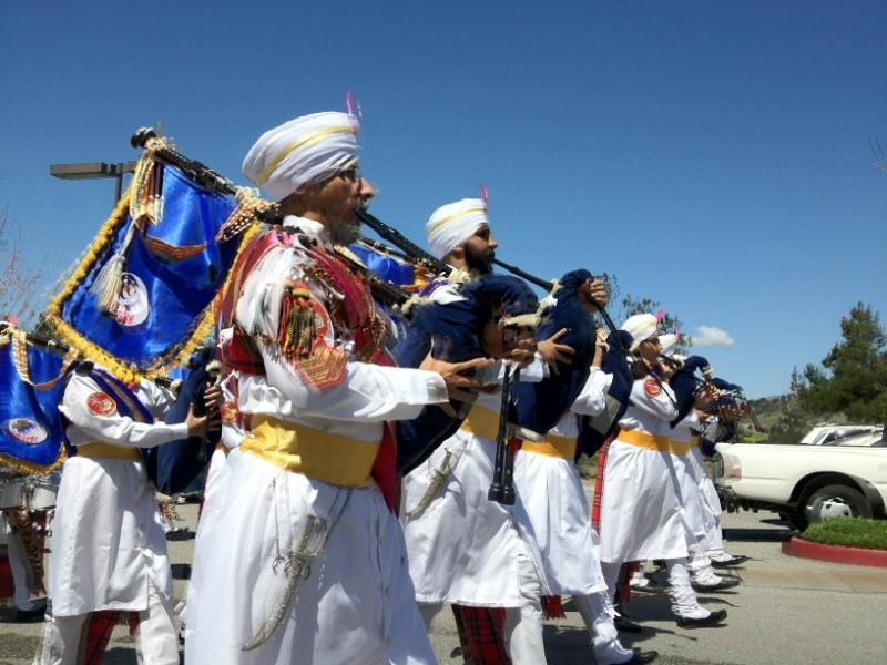 Malaysian Sikh band performs at the Nagar Kirtan in San Jose, CA (source: twitter user @i5jabi)