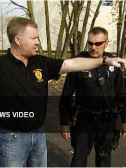 Oak Creek Police Lt. Brian Murphy and Officer Sam Lenda recall the shooting at the Oak Creak, Wisconsin, Gurdwara in August (source: CBS News)