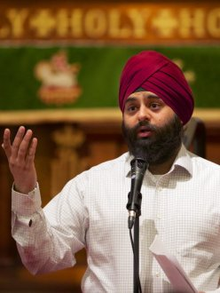 "Pawneet Sethi, a Portland Sikh, talks about wrapping his uncut hair in a turban. Many Sikhs refuse to cut their hair as a sign of respect for God's creation. Sethi spoke at ""Let the Light Shine,"" an annual lecture series at St. James Lutheran Church in downtown Portland. (Randy L. Rasmussen/The Oregonian)"