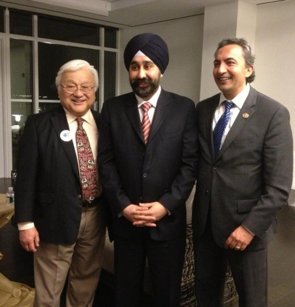 Ravinder Singh Bhalla (center) with Congress Members Mike Honda (left) and Ami Bera (right) at a fundraiser in Washington, DC, on February 28, 2013.