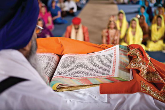 Sikh wedding ceremony. (source: Canadian Bride Magazine)