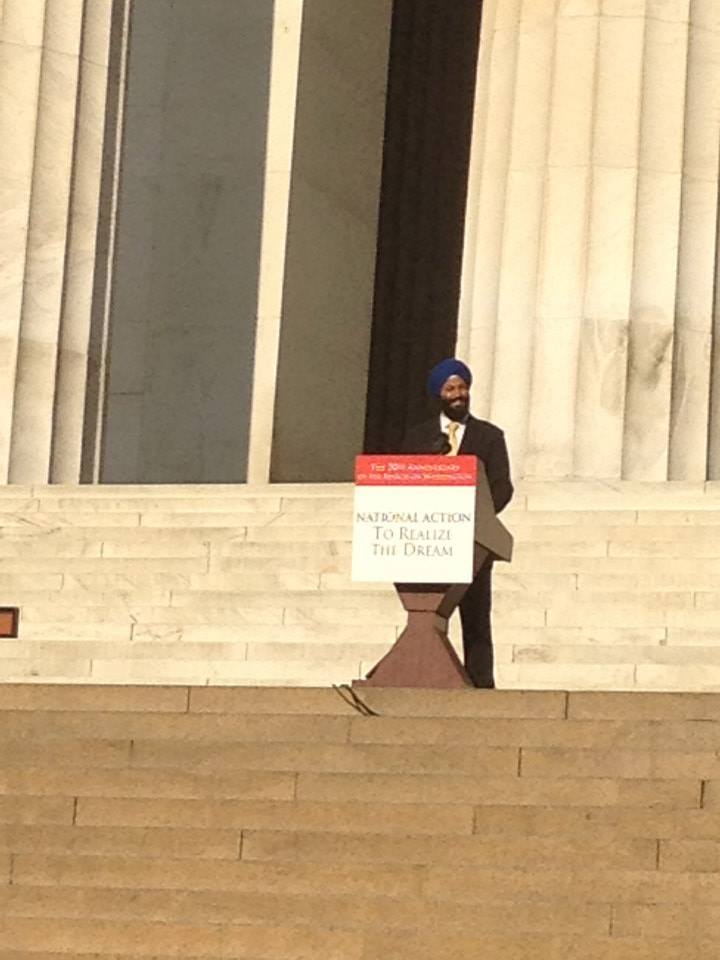 Jasjit Singh, Executive Director of SALDEF, addresses the audience last Saturday during the commemoration of the 50th anniversary of the March on Washington. (Source: SALDEF)