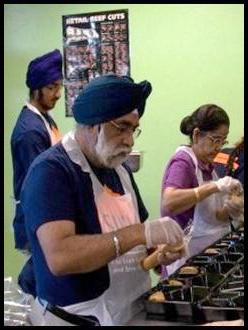 GP-Singh-with-Sikhs-at-Food-bank