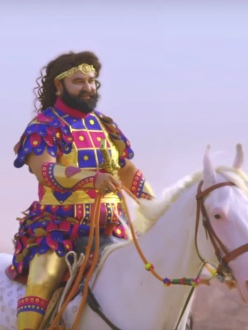 Gurmeet Ram Rahim Singh riding a horse. (Source: India.com)