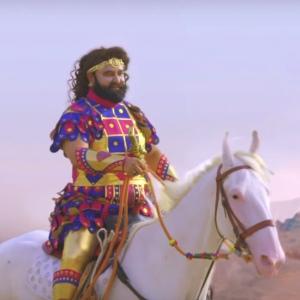Gurmeet Ram Rahim Singh riding a horse. (Source: India.com)